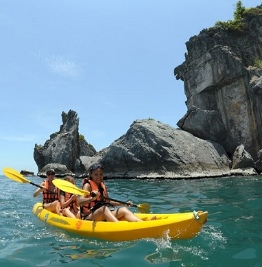 Kayaking Tour at Ang Thong Marine Park